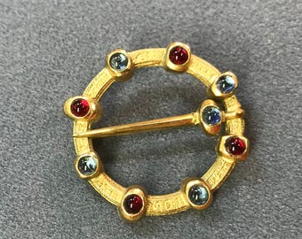 Beautiful Medieval Style Brushed Gold Tone and Glass Gem Brooch. Free shipping