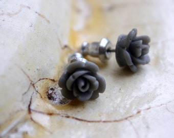 Teeny rose earrings - Grey