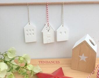 3 little houses ceramic 6.5 x 5 cm