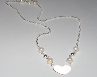 925 silver necklace with central heart and freshwater pearls