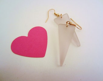 Sea glass jewelry. Pink sea glass, pink seaglass earrings. Triangle earrings. Copper jewelry. Dangle earrings. Soft pink. Gift for women.