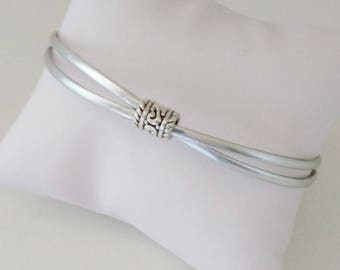 Cross Center chic shiny silver leather bracelet