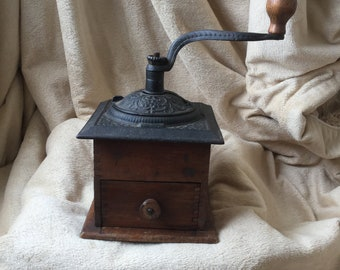 Antique/Primitive Pepper Mill
