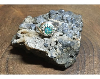 Lab-created Spring Green Opal and 925 Sterling Silver Ring | size 5