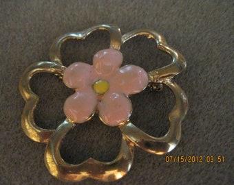 BEAUTIFUL Vintage Gold & Peach Enamel Open Work Flower Brooch/Pin....#2168..Gift 4 Woman,Stylish Jewelry,Retro Jewelry,Bridal Wear