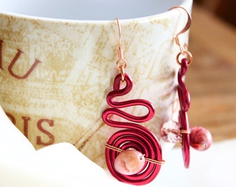 Red Whirled Wire with Natural pink marble beads and crystals