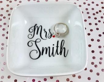 Wedding | Ring Dish | Jewelry Dish | Ring Holder | Personalized Engagement Ring Holder | Engagement Gift | Bridal Shower Gift | Mrs.