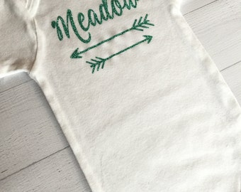 Baby Girl/Boy Arrow Bodysuit, Personalized Shirt, Shirt with Name