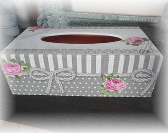 Romantic and shabby tissue box