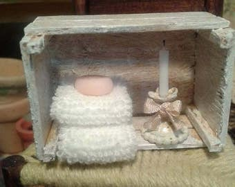 Dollhouse miniature romantic fruit crate