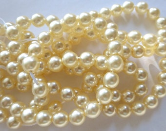 """20"""" Strand of Vintage 7mm Cream Round Glass Pearl Beads"""