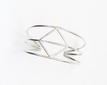 "Chic and distinctive silver cuff, sturdy construction of thick sterling silver wire with a central geometric diamond shape - ""Diamond Cuff"""