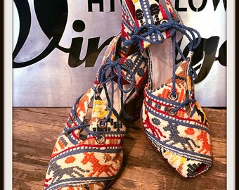 Vintage Embroidered Multi Color Heels Stiletto Pumps Shoes 1940s Central South American Inspo
