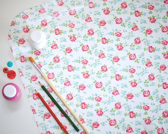 GREEN or WHITE - Laminated Cotton Oilcloth - Craft and Splat Mat - Scattered Roses