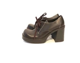 Vintage Black Steve Madden Oxford Chunk Heels