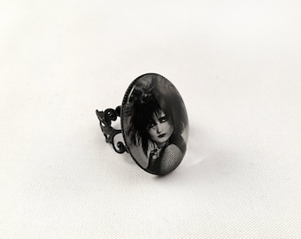 Siouxsie Sioux Photo Ring - Siouxsie and the Banshees - Gothic Cameo Ring, Punk Ring, Adjustable Cameo Ring