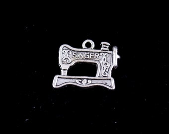 "10 Charms ""Sewing Machine"" color Antique Silver Tone"