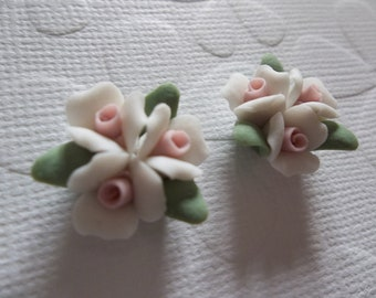 Ceramic Roses - 18mm White Triple Flower Cluster - Flower Cameos - Green Leaves - Pink Center - Flat Back Cabochons - Qty 2