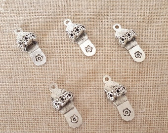 Flip Flop Charms x 5. Sandal Charms. Summer Beach Charms. 3D Charms.  Antique Tibetan Silver Tone.  UK Seller