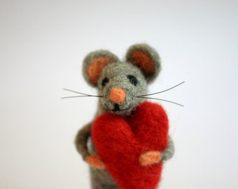 Felted Mouse, Mouse With A Red Heart, Felt Mice Figurine, Needle Felted Mouse, Cute Mouse, I Love You, Holiday figurine