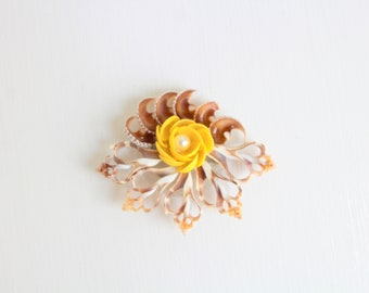 Celluloid Brooch, Celluloid Pin, Celluloid Seashell, Seashell Brooch, Seashell Pin, Vintage Seashell Brooch, Vintage Seashell Pin, Seashell