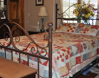 Tag Sale Queen Size Quilt with Shams