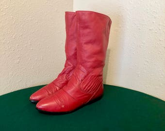 Sz 6 B Vintage Mid Calf Red Genuine Leather 1980s Women Flat Pull On Slouch Boots.