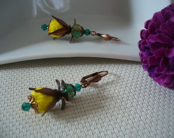 Earrings copper, yellow and green.