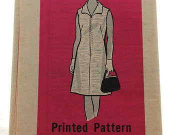 Marian Martin 9363 Vintage Sewing Pattern Women's Sleeveless Shift Dress with Front Zipper Size 34 / 1970s / Ladies' Fashion / Uncut