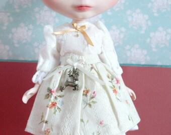 Blythe Vintage Cute Peasant Shirt and Skirt Set