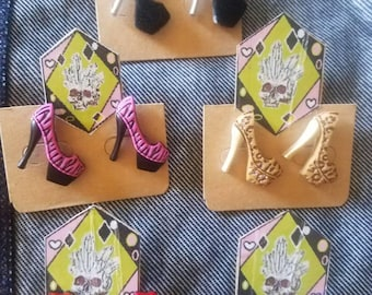 Head over heels earring studs(one pair)
