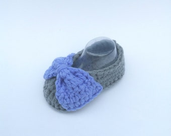BABY BOOTIES: Baby Shoes, Baby Bow Booties, Baby Ribbon Booties (Crochet)