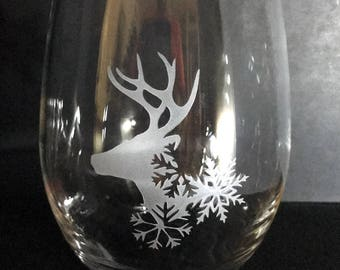Hand Etched Reindeer 15oz Stemless Wine Glass
