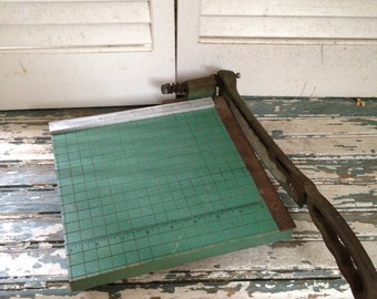 Premier Photo Materials Company Elk Grove Villege Ill USA Vintage Paper Cutter