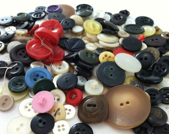 Vintage Mixed Buttons - 200 Pieces