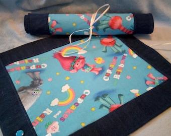 Trolls: Portable Roll Up Travel Chalk Mat Poppy Rainbow Cupcakes