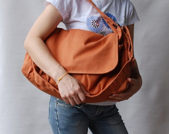 Etsy's 13th Birthday Sale25% - Messenger Bag, Pico Pumpkin, School Bag, Shoulder Bag, Diaper Bag, crossbody bag, Women bag. Gift for her