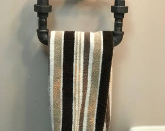 Unique oval towel rack