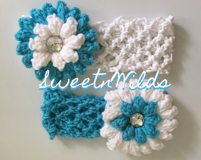 Crocheted stretchy headband and flower