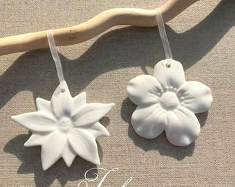 White porcelain flower wall hanging