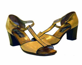 08bfe8987375c7 Vintage 1970 s Givenchy Leather Shoes Size 8N