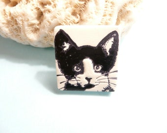 Tuxedo Cat Pin Brooch, Black and White, Cat Lapel Pin, Cute Cat Jewelry, Kitty Face, handmade polymer clay