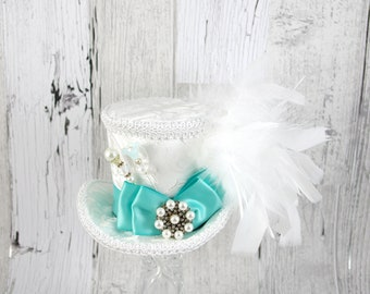 White and Mint Green Wedding Bow Medium Mini Top Hat Fascinator, Alice in Wonderland, Mad Hatter Tea Party, Derby Hat, Bridal Hat