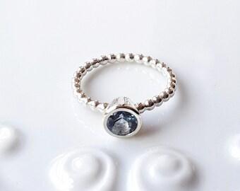 Bubble Gemstone Collet ring: Marine Blue Quartz