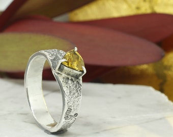 Citrine Quartz Ring in Sterling Silver 950%