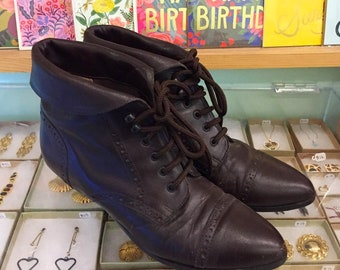 Vintage 80s leather Lace Up Booties by MAINFRAME Size 8 (may fit size 7 1/2) Made in Chile