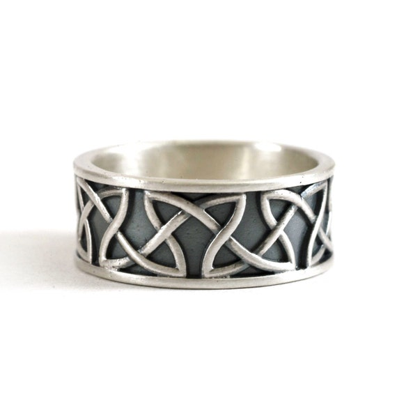 Celtic Wedding Ring with Raised Relief Endless Dara Knotwork Design in Sterling Silver, Wedding Ring Made in Your Size CR-35