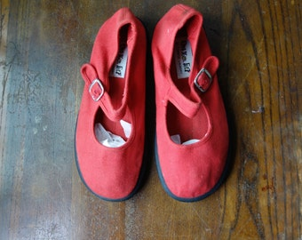 Chinese Laundry 90's mary jane flats