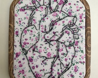 Realistic heart - hand embroidery - 4.5 by 6 inch hoop