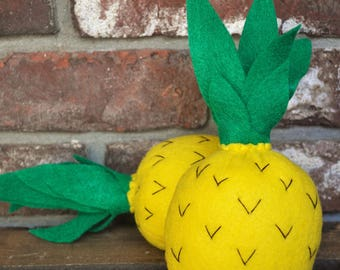 Felt Mini Pineapples - Felt Food for Pretend Play